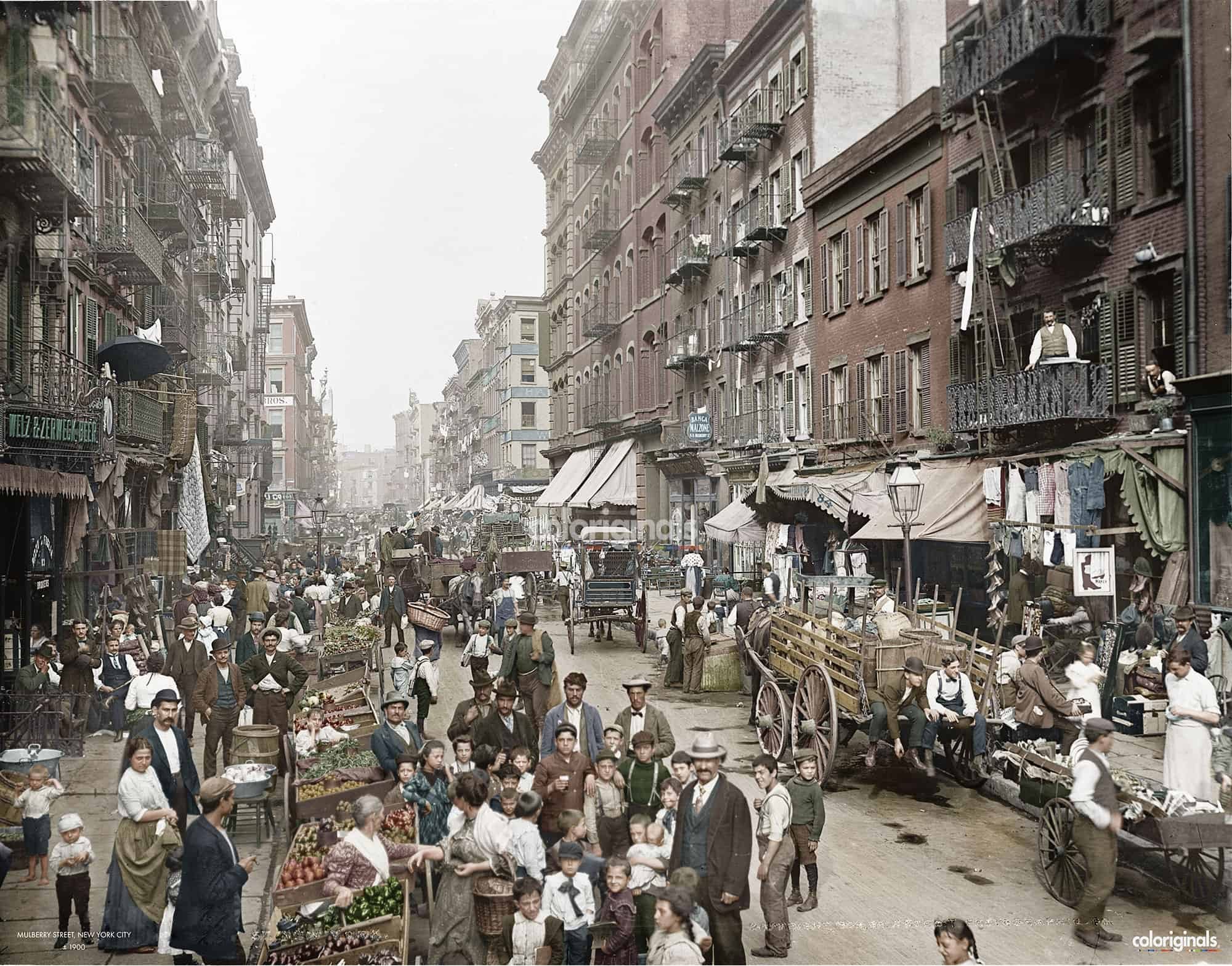 Mulberry_Street_NY_1900_Coloriginals
