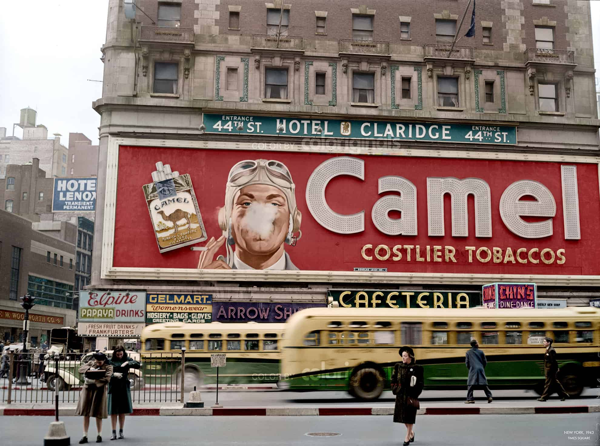 Times Square 1943, Photo: John Vachon | Color: Coloriginals