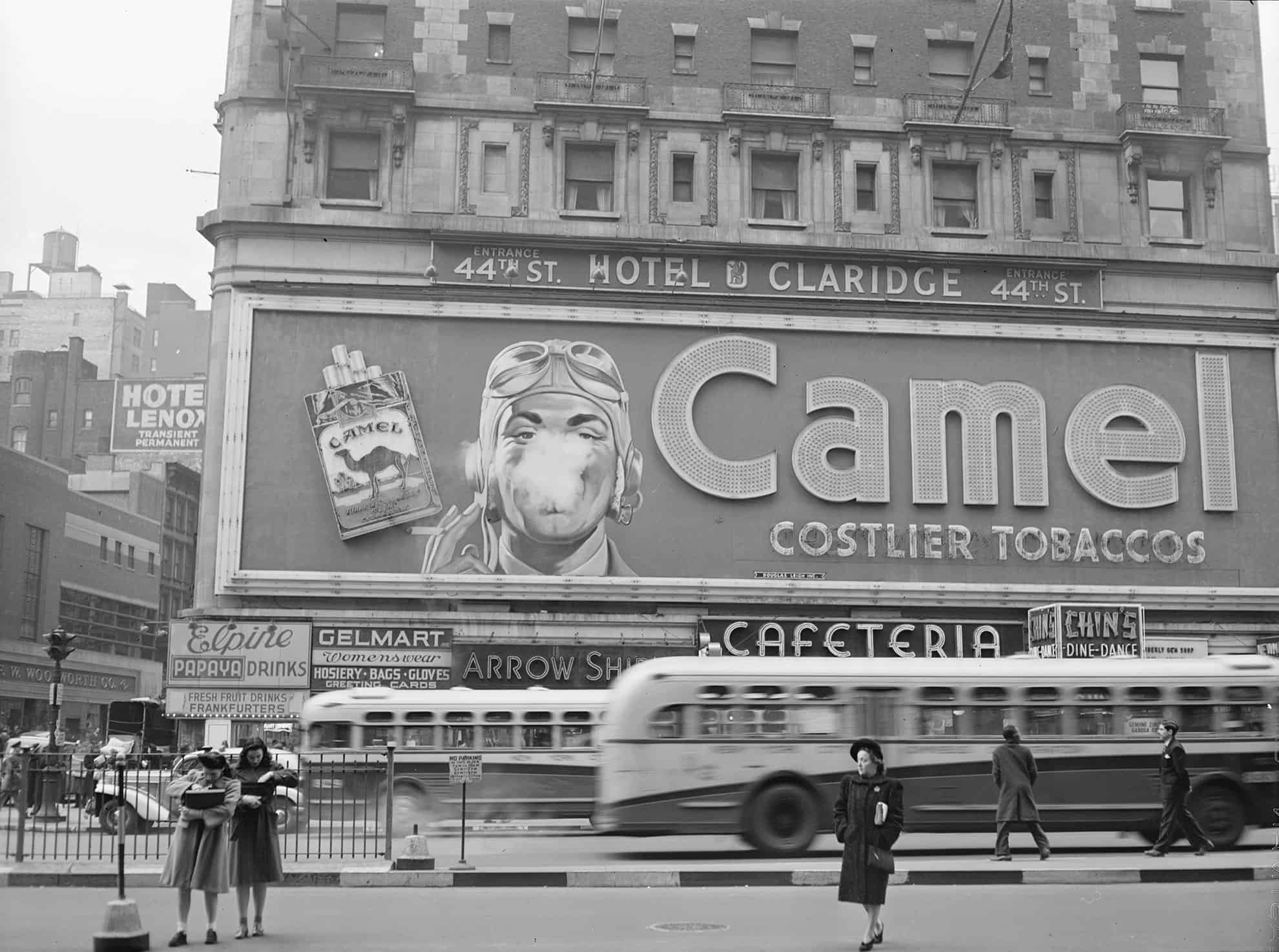 Times Square 1943, Photo: John Vachon